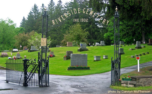 Riverside Cemetery Entrance